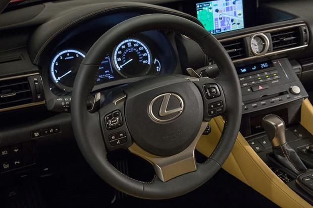 Lexus-RC300h-2015-7