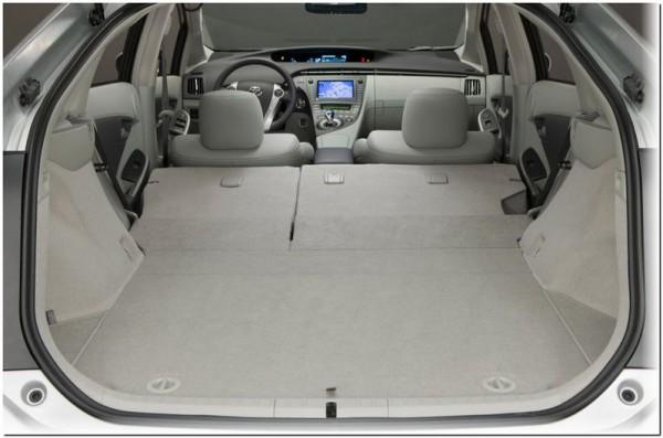 Toyota Prius hybrid 2012-3