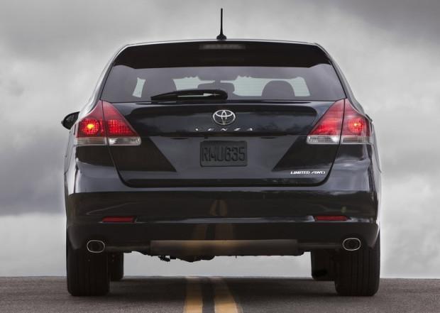Toyota-Venza-back