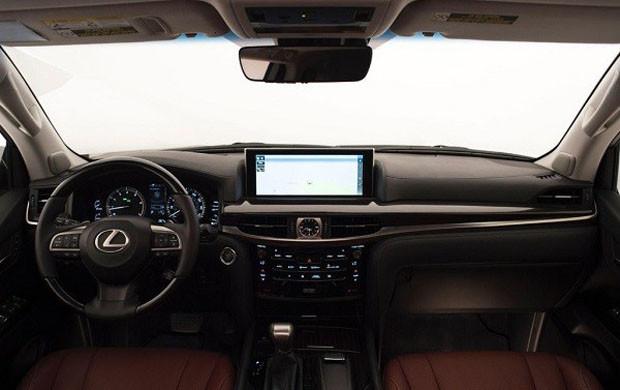 Lexus-LX-570-201_4