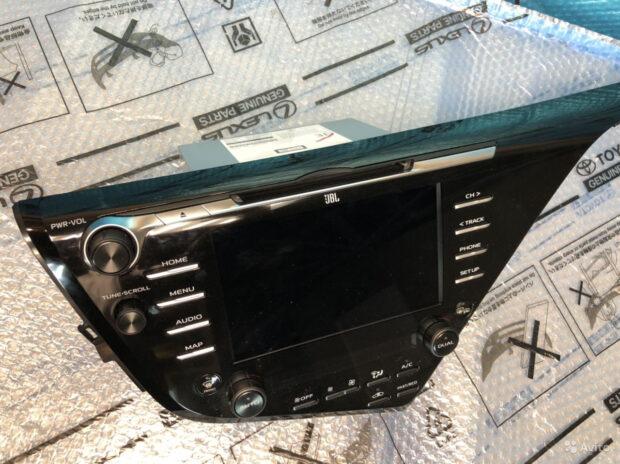 Toyota Camry 70 Магнитола JBL