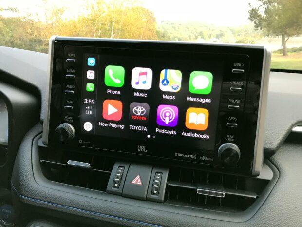 Активации функций CarPlay и Android Auto Toyota RAV4