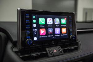 CarPlay и Android Auto Toyota RAV4