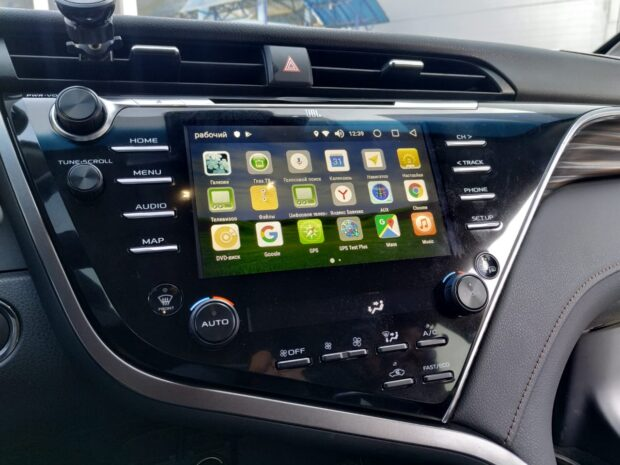 Блок навигацииAndroid 8 для Toyota camry70